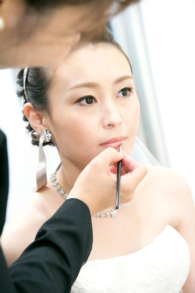 通常、結婚式の準備はウエディングプランナー1人だけと進めるのではありません。