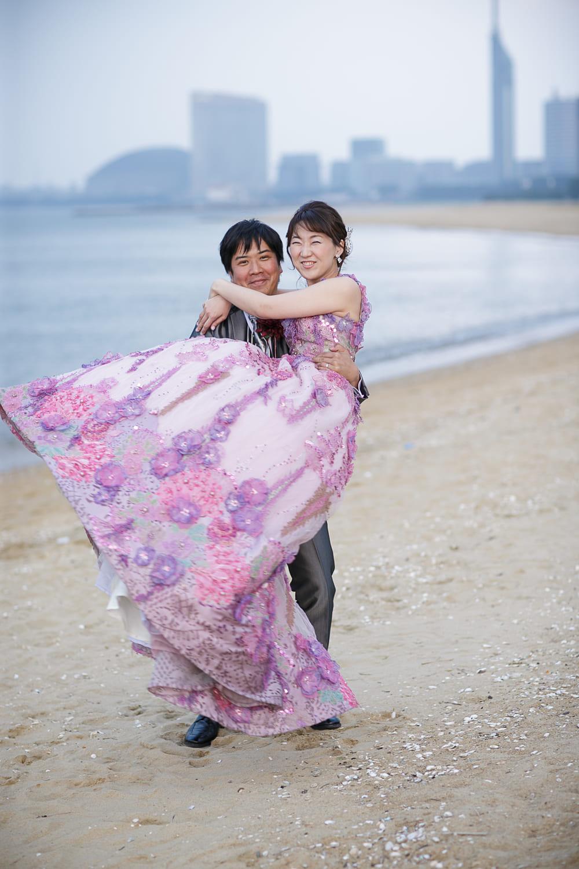 福岡県福岡市西区小戸2丁目6−1・福岡のビーチならここ!福岡の名所であるドームや福岡タワーも一緒に撮影できます
