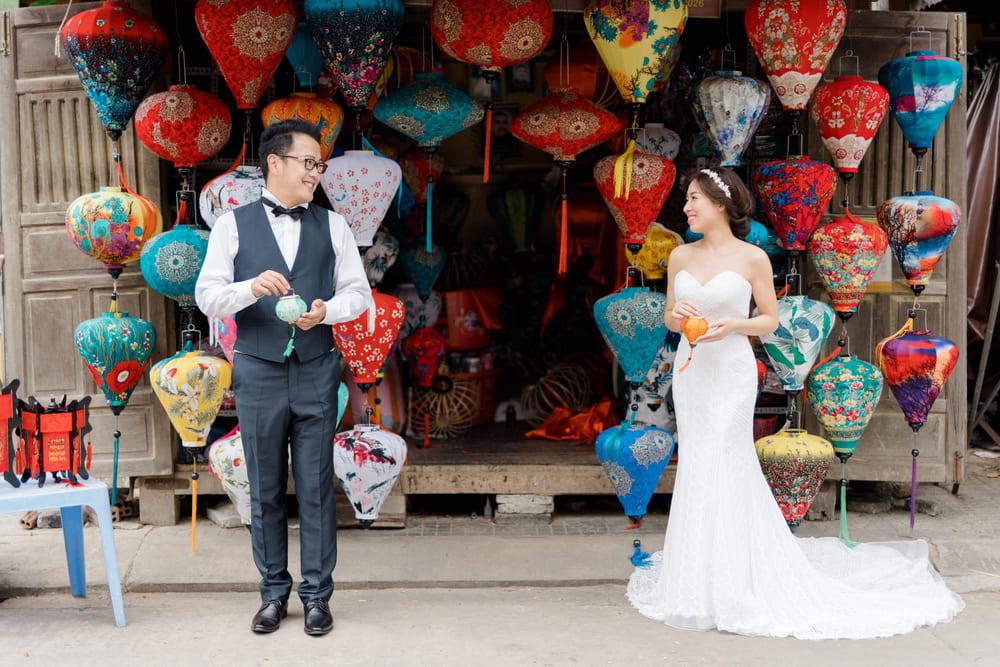 ベトナムらしい観光地での撮影は一番人気で、現地の花嫁も必ず撮影するエリアで一番のお勧めです。